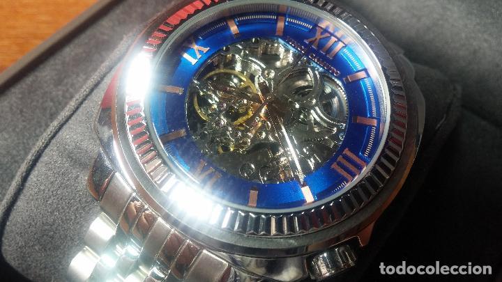 Relojes automáticos: Reloj automático VINCE CAMUTO Skeleton de caballero, preciosa esfera azul marino, de reestreno. - Foto 3 - 108882983
