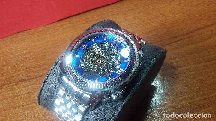 Relojes automáticos: Reloj automático VINCE CAMUTO Skeleton de caballero, preciosa esfera azul marino, de reestreno. - Foto 4 - 108882983