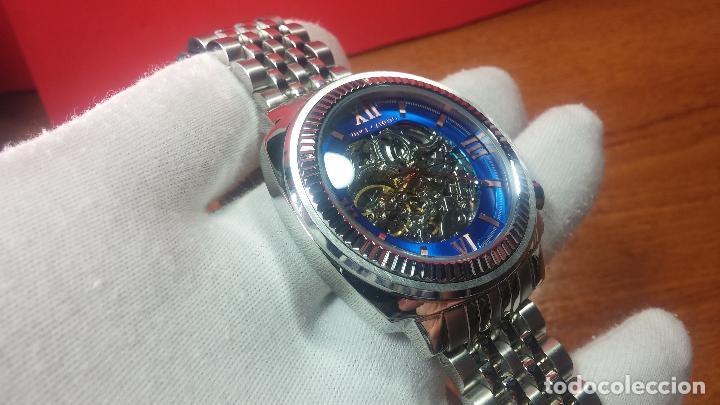 Relojes automáticos: Reloj automático VINCE CAMUTO Skeleton de caballero, preciosa esfera azul marino, de reestreno. - Foto 9 - 108882983
