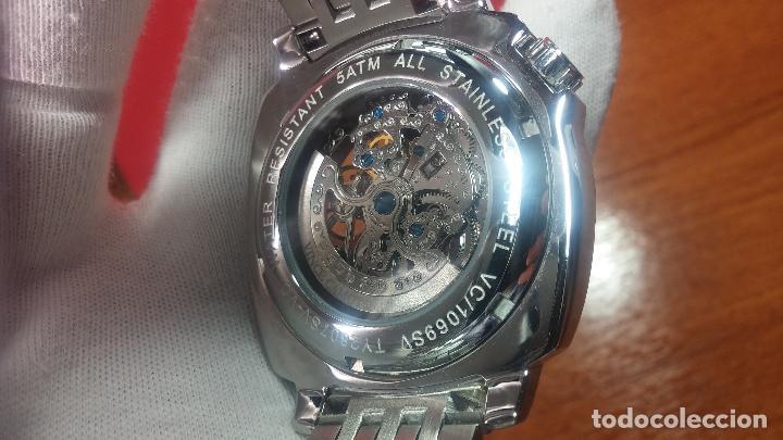 Relojes automáticos: Reloj automático VINCE CAMUTO Skeleton de caballero, preciosa esfera azul marino, de reestreno. - Foto 15 - 108882983