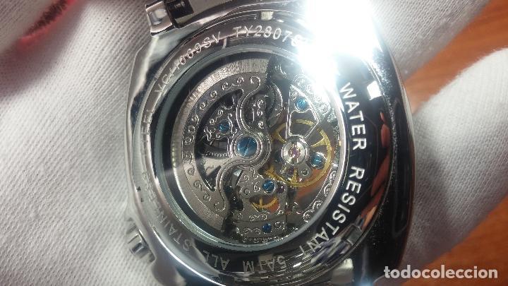 Relojes automáticos: Reloj automático VINCE CAMUTO Skeleton de caballero, preciosa esfera azul marino, de reestreno. - Foto 16 - 108882983