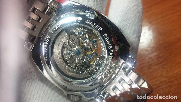 Relojes automáticos: Reloj automático VINCE CAMUTO Skeleton de caballero, preciosa esfera azul marino, de reestreno. - Foto 17 - 108882983