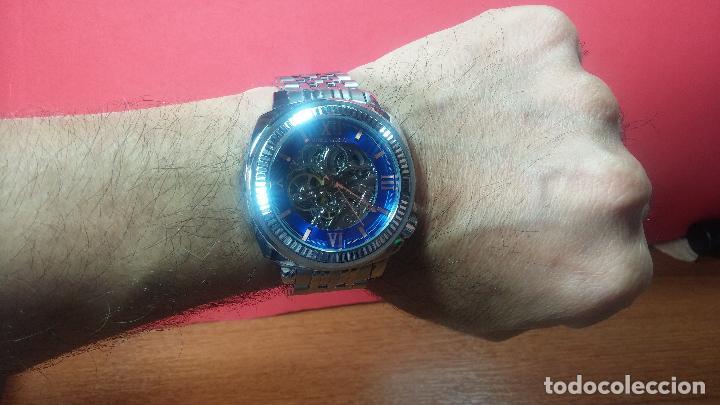 Relojes automáticos: Reloj automático VINCE CAMUTO Skeleton de caballero, preciosa esfera azul marino, de reestreno. - Foto 23 - 108882983