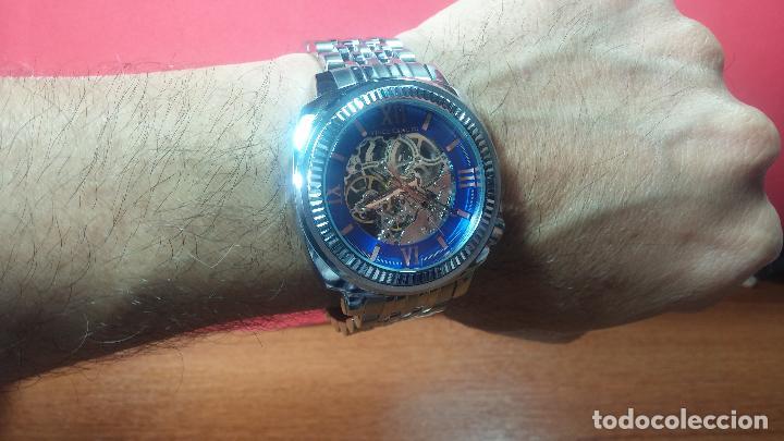 Relojes automáticos: Reloj automático VINCE CAMUTO Skeleton de caballero, preciosa esfera azul marino, de reestreno. - Foto 24 - 108882983