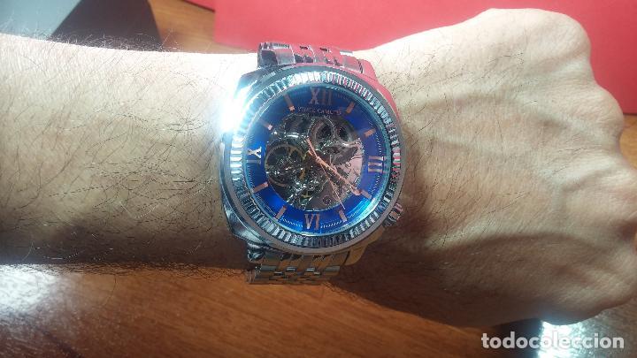 Relojes automáticos: Reloj automático VINCE CAMUTO Skeleton de caballero, preciosa esfera azul marino, de reestreno. - Foto 34 - 108882983