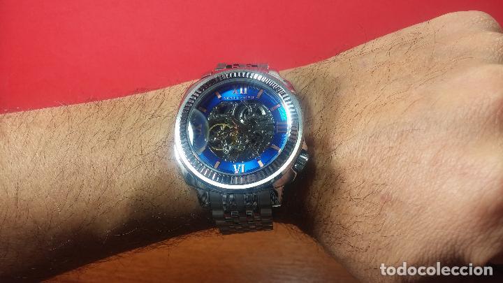 Relojes automáticos: Reloj automático VINCE CAMUTO Skeleton de caballero, preciosa esfera azul marino, de reestreno. - Foto 36 - 108882983