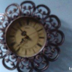 Relojes automáticos: RELOJ BARGOX DE METAL, POSIBLEMENTE ESTAÑO, DE PARED. QUARZ. FUNCIONA . Lote 109259287