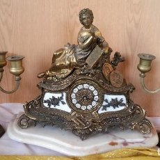 Relojes automáticos - Reloj de sobre-mesa en aleación de bronce + pareja de candelabros a juego - 110781367
