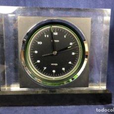 Relojes automáticos: RELOJ SOBREMESA CUARZO AUTOMATICO CITIZEN JAPAN CRYSTRON METACRILATO METAL PILA AÑOS 70 28X32X9CMS. Lote 210093957