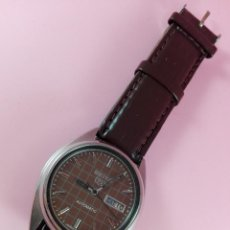 Relojes automáticos: 91-RELOJ-SEIKO 5-DISEÑO MARRÓN OSCURO-EXCELENTE ESTADO-FUNCIONANDO-VER FOTOS. Lote 118407015