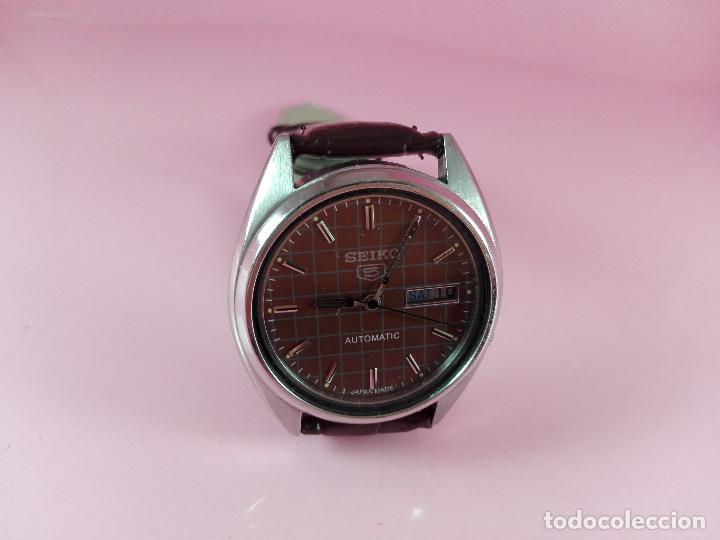 Relojes automáticos: 91-reloj-seiko 5-diseño marrón oscuro-excelente estado-funcionando-ver fotos - Foto 6 - 118407015