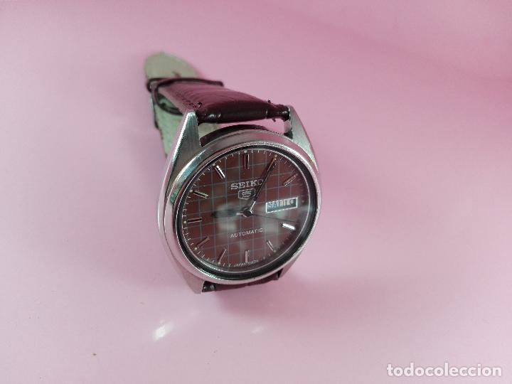Relojes automáticos: 91-reloj-seiko 5-diseño marrón oscuro-excelente estado-funcionando-ver fotos - Foto 7 - 118407015