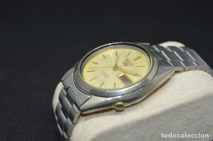 Relojes automáticos: ANTIGUO - VINTAGE - RELOJ DE PULSERA - SEIKO 5 7009 3040 - AUTOMATIC - MADE IN JAPAN - HAZ OFERTA - Foto 3 - 120400391