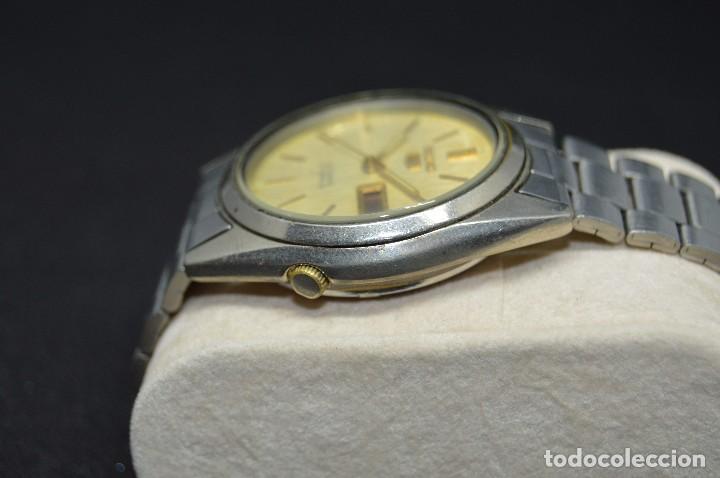 Relojes automáticos: ANTIGUO - VINTAGE - RELOJ DE PULSERA - SEIKO 5 7009 3040 - AUTOMATIC - MADE IN JAPAN - HAZ OFERTA - Foto 4 - 120400391