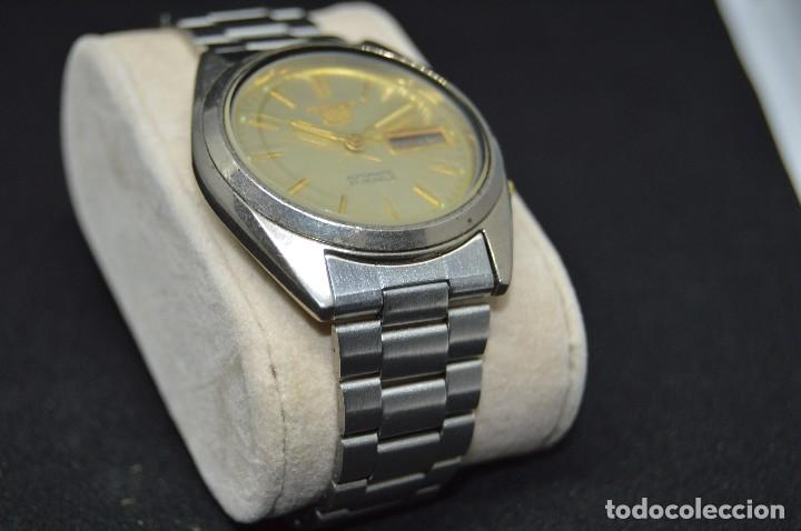Relojes automáticos: ANTIGUO - VINTAGE - RELOJ DE PULSERA - SEIKO 5 7009 3040 - AUTOMATIC - MADE IN JAPAN - HAZ OFERTA - Foto 6 - 120400391