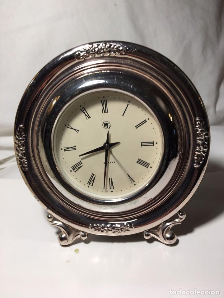 RELOJ DE SOBREMESA DE PLATA DECORADA. PLATA 925. FUNCIONA PERFECTAMENTE. 15 CM DE DIÁMETRO. (Relojes - Relojes Automáticos)