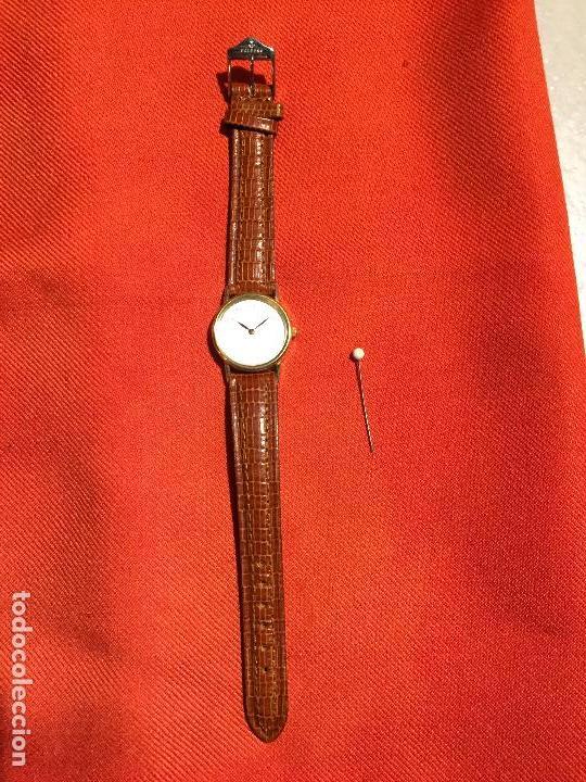 ANTIGUO RELOJ DE SEÑORA DE PULSERA A PILAS DE LA MARCA CASIO CORREA DE CUERO Y BAÑO ORO AÑOS 90 (Relojes - Relojes Automáticos)