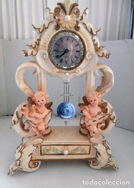 RELOJ DE SOBREMESA DE RESINA PINTADA FUNCIONANDO A PILAS (Relojes - Relojes Automáticos)
