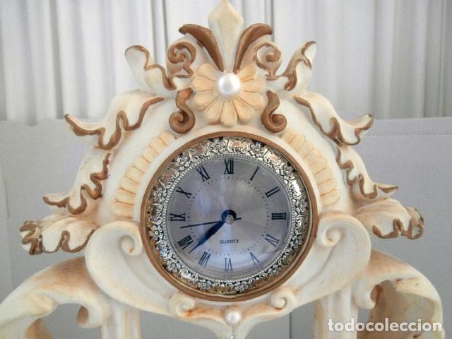 Relojes automáticos: RELOJ DE SOBREMESA DE RESINA PINTADA FUNCIONANDO A PILAS - Foto 5 - 127265943