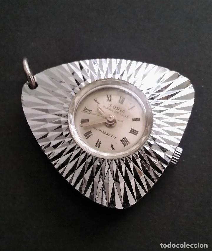 Relojes automáticos: Antiguo y raro reloj colgante marca sonia súper de luxe antimagnetico (funciona) 70s, retro vintage - Foto 4 - 109803795