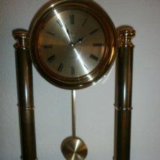 Relojes automáticos: IMPRESIONANTE RELOJ DE SOBREMESA CON BASE DE MARMOL. Lote 135845342