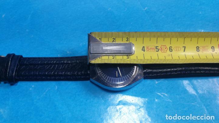 Relojes automáticos: Botito reloj Yema antiguo automático, funciona bien, grande - Foto 37 - 140285570