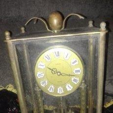 Relojes automáticos: RELOJ SOBREMESA.BRONCE.ALEMANIA ORIENTAL.AÑOS 70.. Lote 141365330