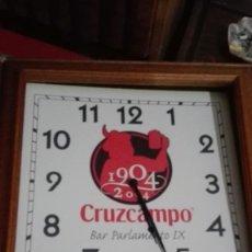 Relojes automáticos: RELOJ DE PARED CRUZCAMPO. Lote 147204054