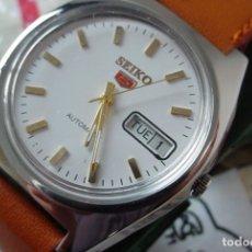Relojes automáticos: RELOJ SEIKO 5 CLÁSICO AUTOMÁTICO ESFERA BLANCA. Lote 147563480