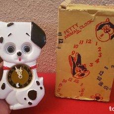 Relojes automáticos: RELOJ PERRO INFANTIL DE PARED A CUERDA PETTY ANIMAL CLOK MADE IN JAPAN VINTAGE MUEVE OJOS. Lote 150688162