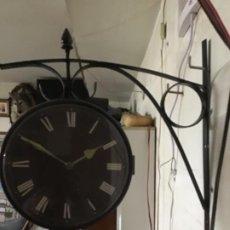 Relojes automáticos: RELOJ. DE DOS CARAS. DOS ESFERASA PILAS. Lote 184347016