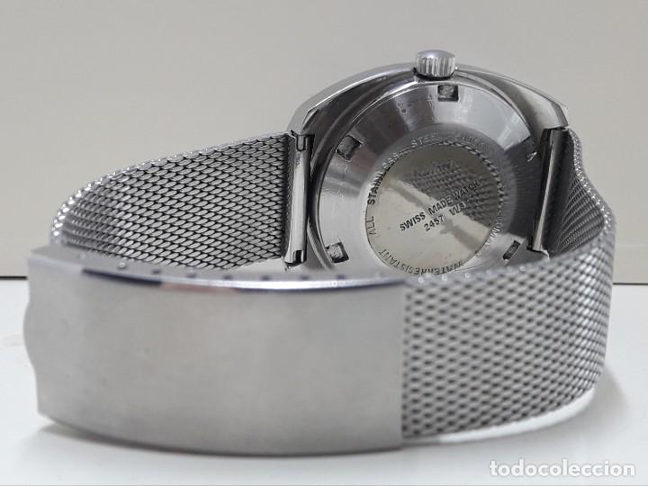 Relojes automáticos: RELOJ VINTAGE AUTOMÁTICO MARCA TITAN AÑOS 70 PRÁCTICAMENTE NUEVO - Foto 3 - 184554162