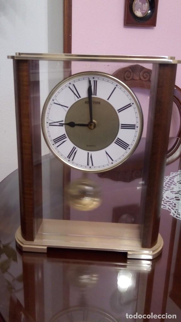 RELOJ SOBREMESA - MARCA RHYTHM (Relojes - Relojes Automáticos)