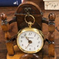 Relojes automáticos: RELOJ DE BOLSILLO WEHRLE. FLORENCE. QUARTZ ALARM. MADE IN GERMANY. SOBRE PEANA DE MADERA. Lote 188221355