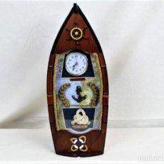 Relojes automáticos: BONITO RELOJ DE PARED EN MADERA EN FORMA DE BARCO. Lote 194223810