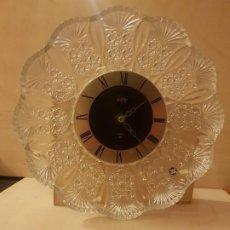 Relojes automáticos: RELOJ DE PARED CRYSTAL LOFTY QUARTZ HOYA .PERTENCECE A UNA COLECCION DE RELOJES DE CRISTAL.. Lote 196675240