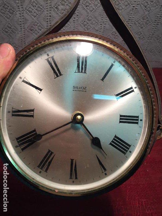 Relojes automáticos: Antiguo reloj de pared marca Silvoz èlectronique años 70-80 de piél - Foto 2 - 198646327