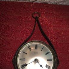 Relojes automáticos: ANTIGUO RELOJ DE PARED MARCA SILVOZ ÈLECTRONIQUE AÑOS 70-80 DE PIÉL . Lote 198646327