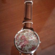 Relojes automáticos: PRECIOS RELOJ MARCA OPIA PANTALLA FLORES Y HOJAS CORREA COLOR MARRÓN. MUY ELEGANTE.. Lote 206576648