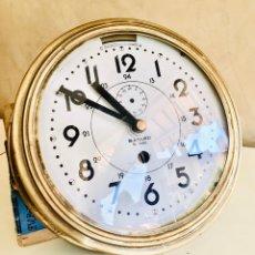Relojes automáticos: RELOJ DE BARCO BAYARD 8 DAY CON MECANISMO ELÉCTRICO RELOJ DE PARED NAUTICO EN CAJA DE LATON. Lote 215778616