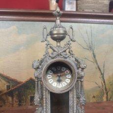 Relojes automáticos: RELOJ DE MESA EN BRONCE. Lote 215956526