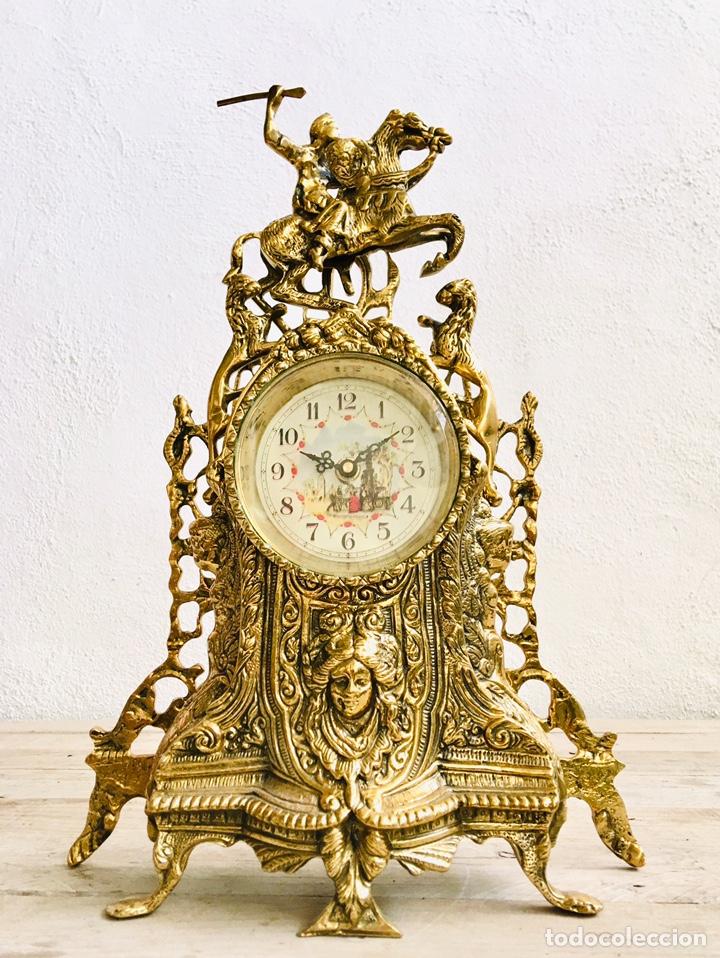 Relojes automáticos: RELOJ DE BRONCE DE SOBREMESA AÑOS 60s CON FIGURA DE JINETE A CABALLO Y MÁQUINA DE CUARZO - Foto 3 - 216404468
