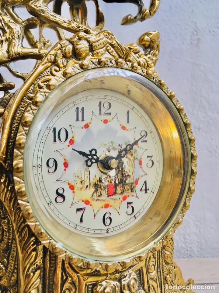 Relojes automáticos: RELOJ DE BRONCE DE SOBREMESA AÑOS 60s CON FIGURA DE JINETE A CABALLO Y MÁQUINA DE CUARZO - Foto 4 - 216404468