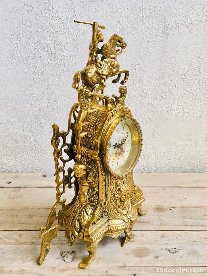Relojes automáticos: RELOJ DE BRONCE DE SOBREMESA AÑOS 60s CON FIGURA DE JINETE A CABALLO Y MÁQUINA DE CUARZO - Foto 8 - 216404468