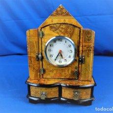 Relojes automáticos: RELOJ JOYERO DE SOBREMESA EN MADERA. Lote 219975020