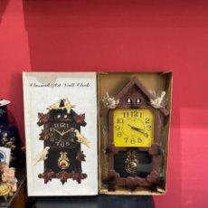 Relojes automáticos: RELOJ DISEÑO ANTIGUO CLASSIC ART WALL CLOCK SILVANO COCU . CON PINDULO FUNCIONA PERFECTAMENTE. Lote 234772095