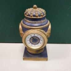 Relojes automáticos: PEQUEÑO RELOJ CUARZO.10CM ALTURA. Lote 238434205