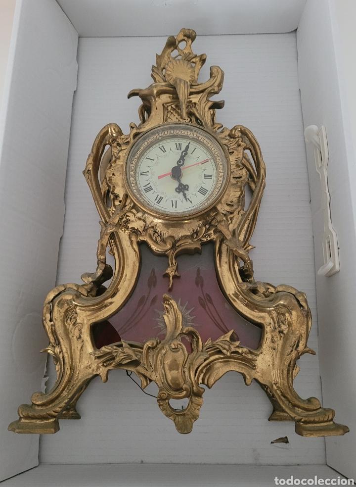 Relojes automáticos: Antiguo reloj de bronce no funcionando (peso en bronce 7,413 kilos) - Foto 2 - 257621525