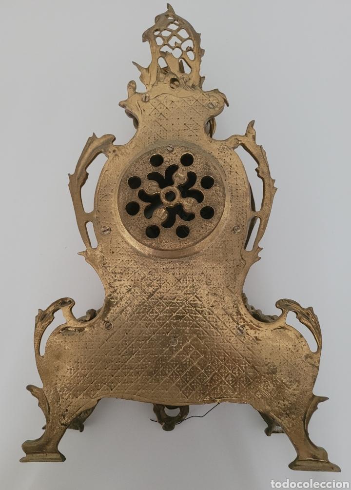 Relojes automáticos: Antiguo reloj de bronce no funcionando (peso en bronce 7,413 kilos) - Foto 8 - 257621525