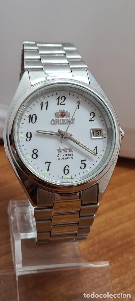 Relojes automáticos: Reloj (Vintage) ORIENT automático de acero, esfera blanca, calendario las tres, correa acero Orient - Foto 3 - 284411993